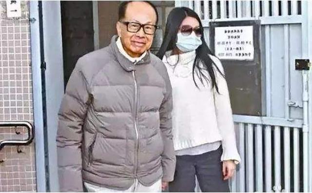李嘉誠23歲長孫女登場!出任公司董事,每年安保費就要花10億-圖3