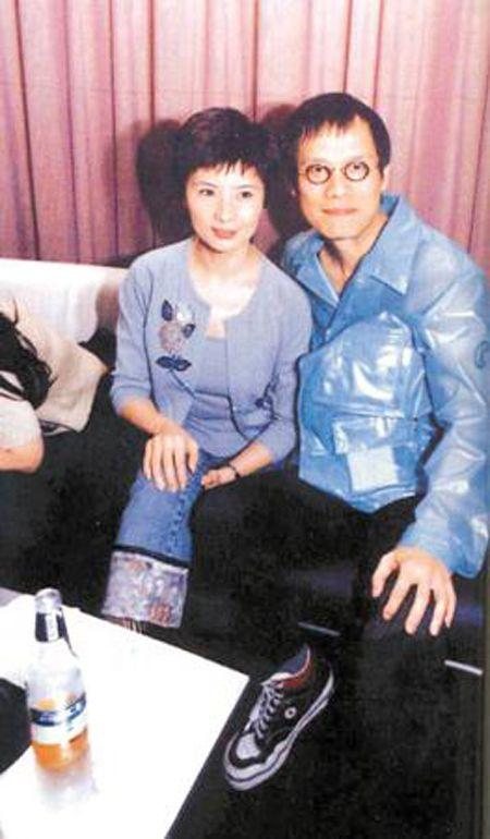 他是樂壇教父,張艾嘉為他婚內出軌,耽誤前妻,今娶小13歲嬌妻-圖10