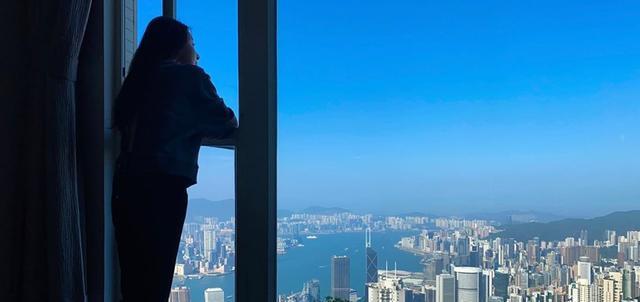 人生贏傢!TVB花旦林夏薇15億豪宅裡玩遊戲,居高臨下賞維港景-圖4