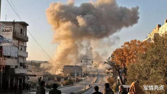 俄放棄忍耐,子母彈轟炸阿塞拜疆秘密基地,采用參戰方式立規矩-圖4