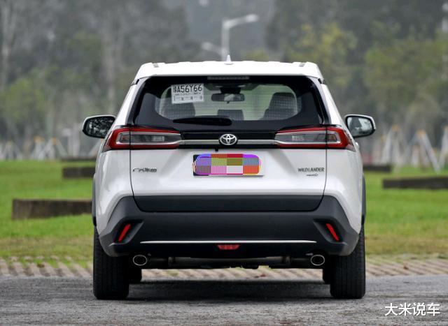 豐田新款平民SUV,四驅還有218馬力,滿油可以跑1200KM-圖5