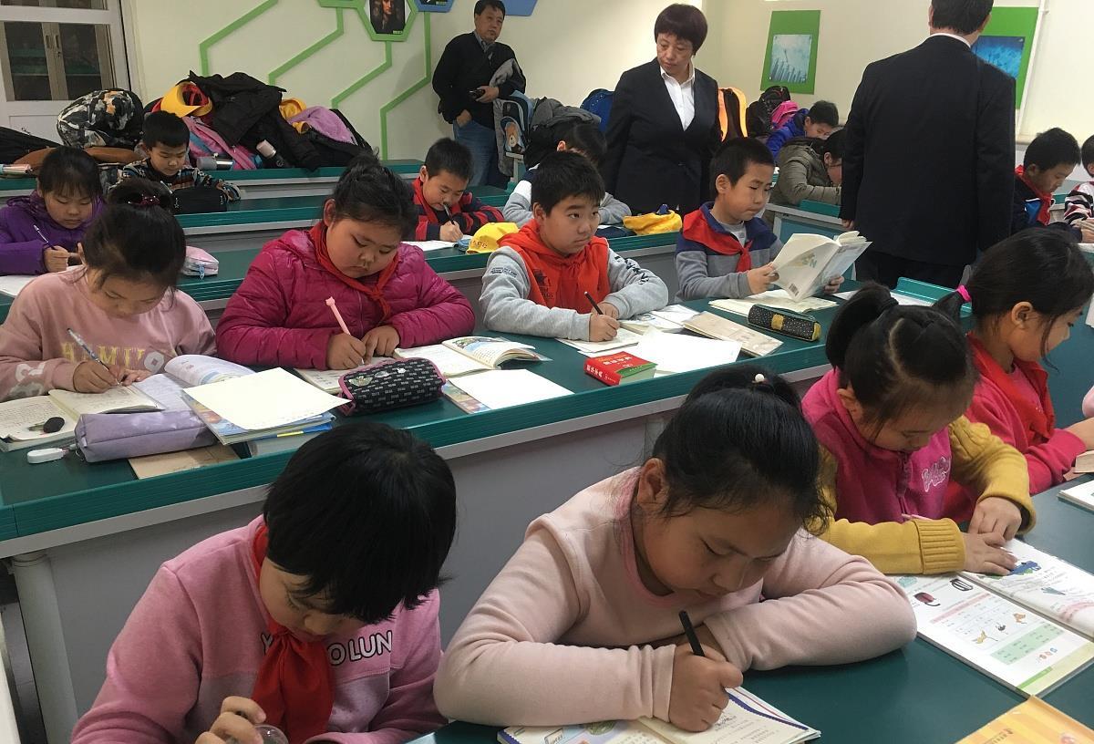 """十字军攻略_一心为家长考虑,学校推出""""延时服务"""",如今为何成了鸡肋-第3张图片-游戏摸鱼怪"""