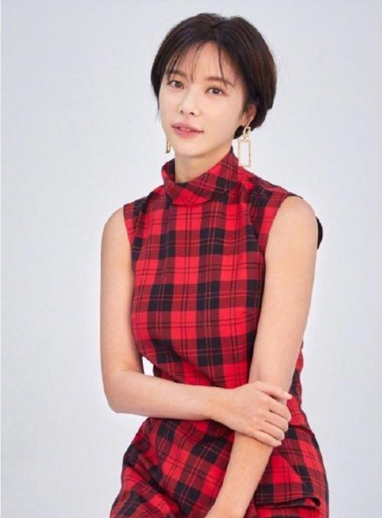 35歲韓國女星黃正音申請離婚,和老公結婚4年育有一子-圖2