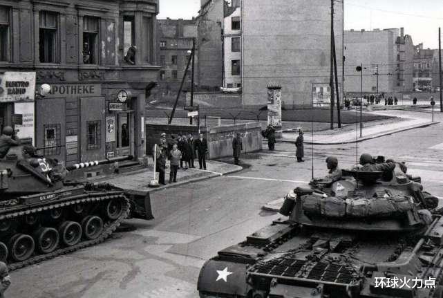 """為什麼冷戰中美國""""勝利""""瞭?對付蘇聯6大手段,招招致命-圖3"""