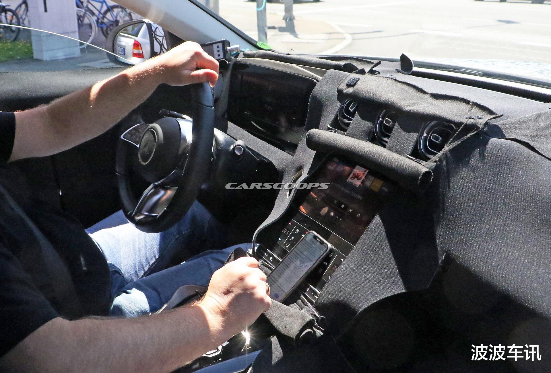 全新奔馳C級無偽裝實車曝光,前臉采用瞭很年輕化的設計-圖5