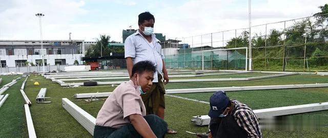 緬甸仰光醫院已經裝不下病人,計劃將足球場改成臨時醫院-圖2