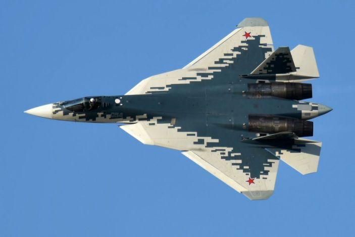 俄戰鬥機突然開火,轟炸阿塞拜疆軍事基地,百名土耳其雇傭軍傷亡-圖4