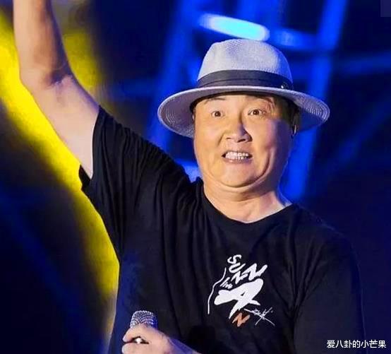 51歲孫楠走穴撈金近照太滑稽,下巴肥大胖成高曉松,曾被曝獻唱一首16萬-圖5