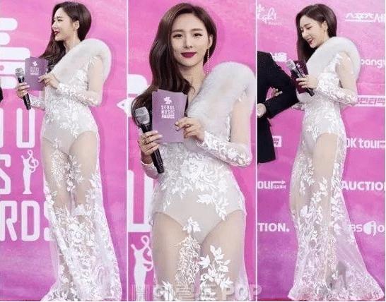 """韓國女星為搏眼球有多拼?穿著""""清涼""""出盡洋相,男星用外套為她遮擋-圖2"""