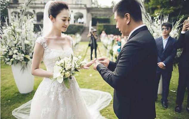 你若未嫁我便娶你,10年前的約定,最終他們真的做到瞭-圖5
