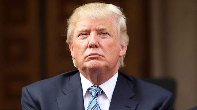特朗普這回攤上大事瞭,佩洛西果然要幹票大的:提前將總統趕出白宮-圖2
