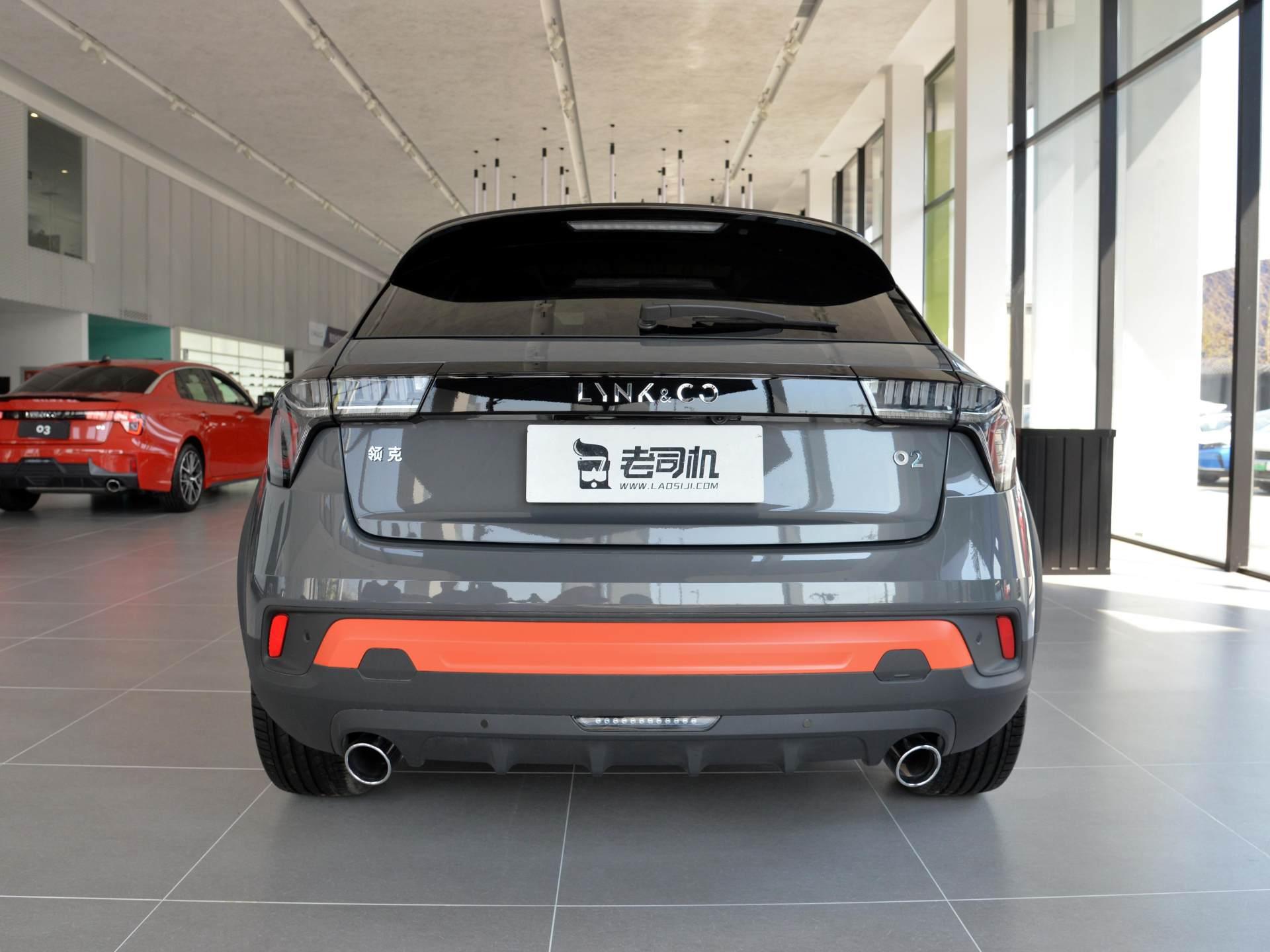 領克的SUV領克02:高配2.0T+6AT,軸距超2.7米,1萬元能接受嗎-圖4