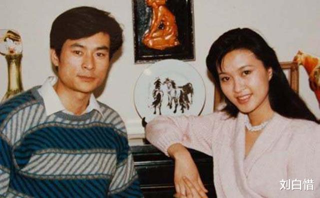 方舒:紅遍80年代,曾與趙忠祥主持春晚,兩婚失敗花甲年仍單身