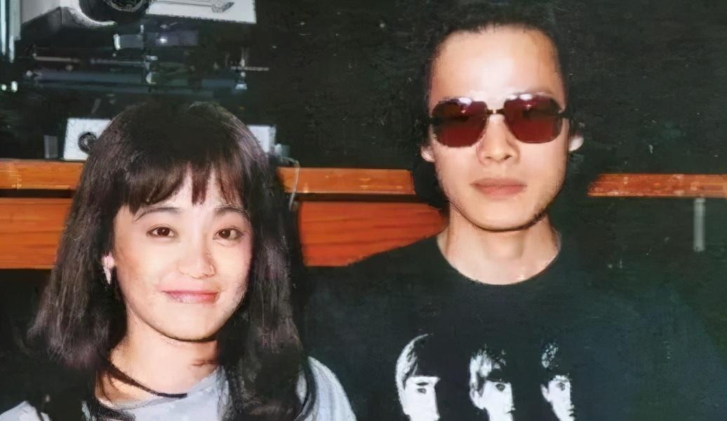 他是樂壇教父,張艾嘉為他婚內出軌,耽誤前妻,今娶小13歲嬌妻-圖8