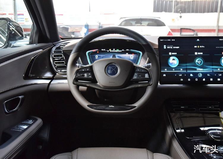 沒有漢EV配置豐富,也沒有它貴,23萬的起售價是更接地氣-圖6