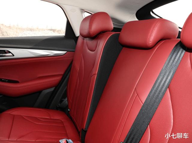 長安的轎跑SUV,入門就有178馬力,配12.3寸大屏,11.99萬起-圖7