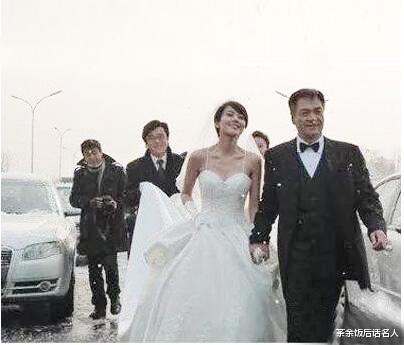 滄桑尤勇:離過一次婚,遲來的婚姻也幸福-圖10
