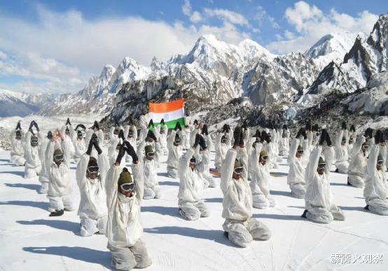 印度這次真的眼紅瞭,十幾萬士兵還在住帳篷,鄰國卻修好橋梁補給-圖2