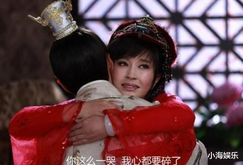 繼《隋唐》後,65歲劉曉慶再演少女,旗袍裝老態盡顯被網友吐槽-圖3
