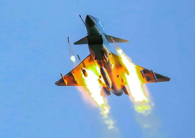 俄羅斯戰機突然被擊落,局勢一觸即發!-圖2