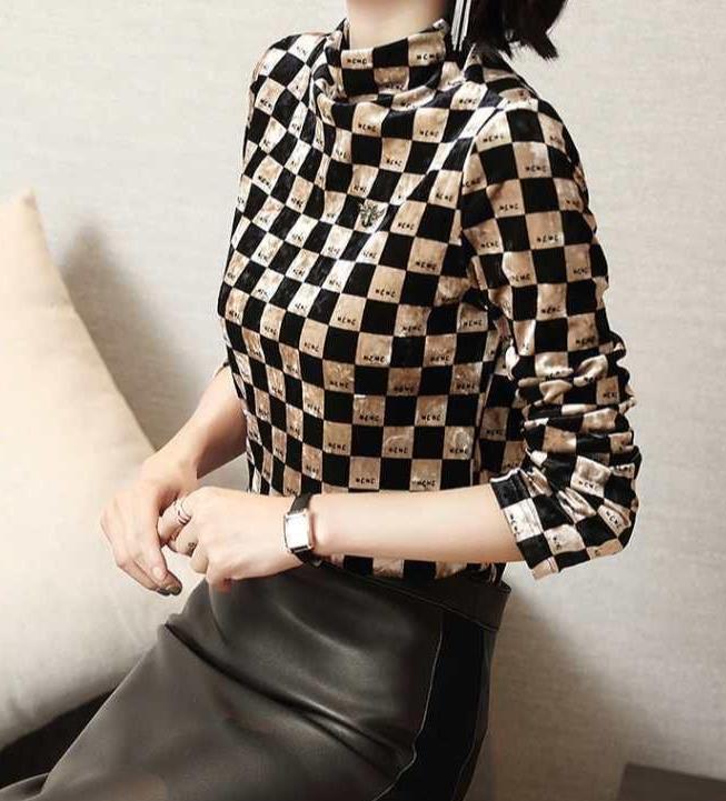 """真封神外挂_40岁的女人穿衣别太俗,试试这款""""格纹打底衫"""",优雅显气质-第3张图片-游戏摸鱼怪"""