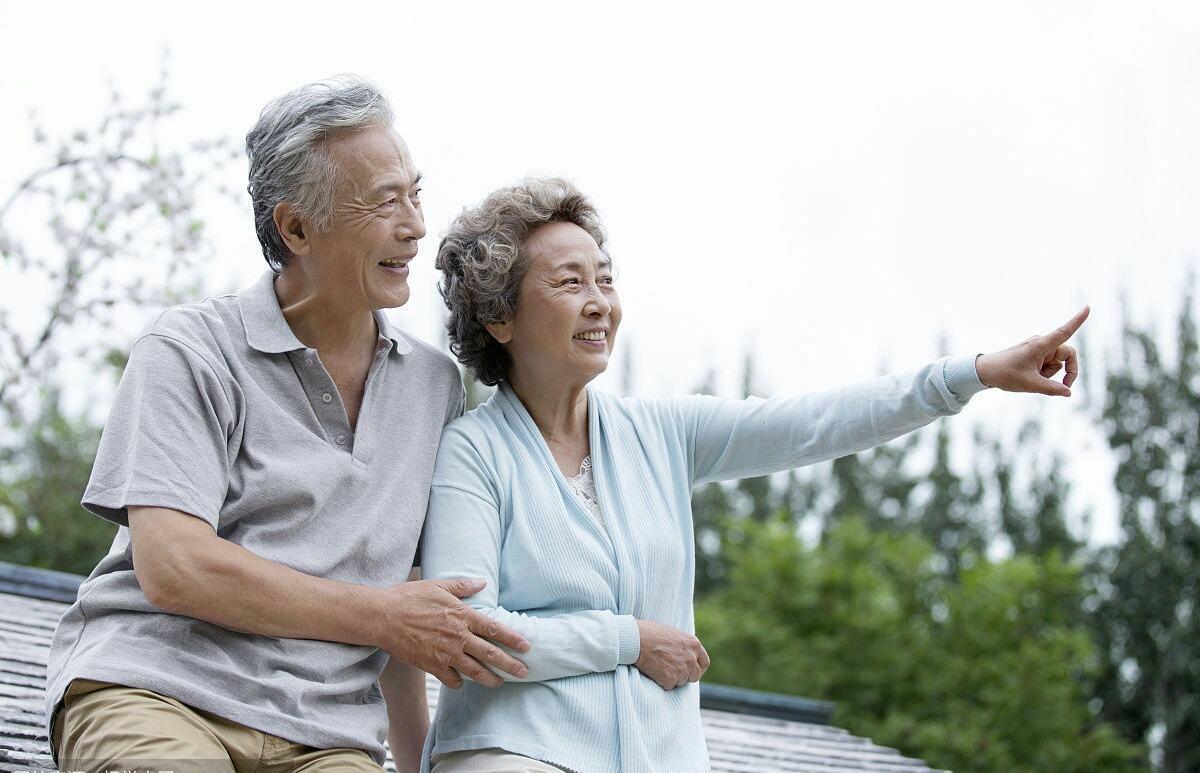鄰居56歲想再婚,找瞭一個五十歲的女同事,要8萬彩禮,怎麼看?-圖2