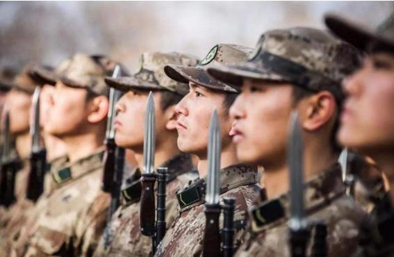 第一次來華訪問,中方就撤走所有儀仗隊,場面陷入尷尬!-圖3