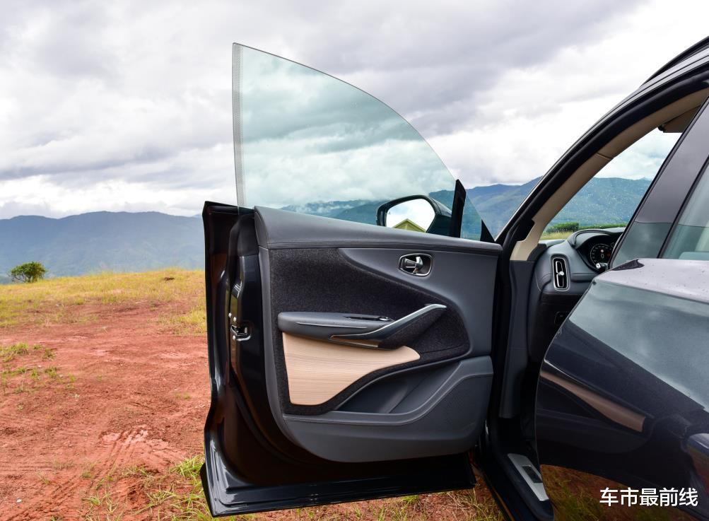 又一豪華品牌涉獵SUV領域,性能比大牛還厲害,砸鍋賣鐵也要買臺-圖5