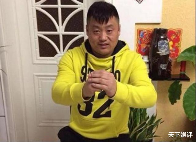 陪宋曉峰住10年地下室,不離不棄,爆紅後為妻子買500平米別墅-圖3