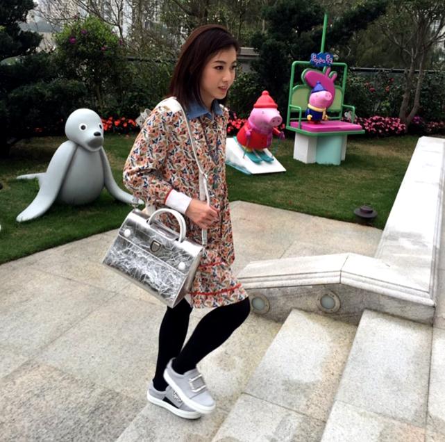 甘比12歲女兒劉秀樺太胖瞭,但甘比還是喂她吃大碗冰淇淋,果然是有錢任性-圖9
