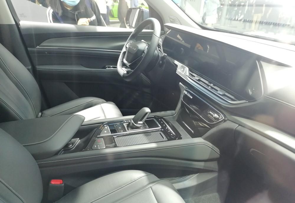 新寶駿RS-7亮相 年輕動感時尚中型SUV-圖7