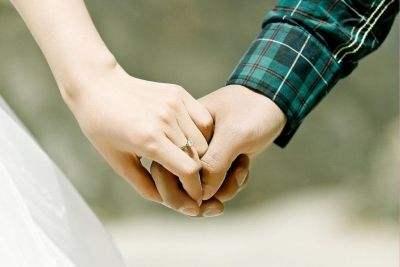 已婚男再遇初戀舊情復燃,離婚後又反悔,被傷過的心還能彌補嗎?-圖2