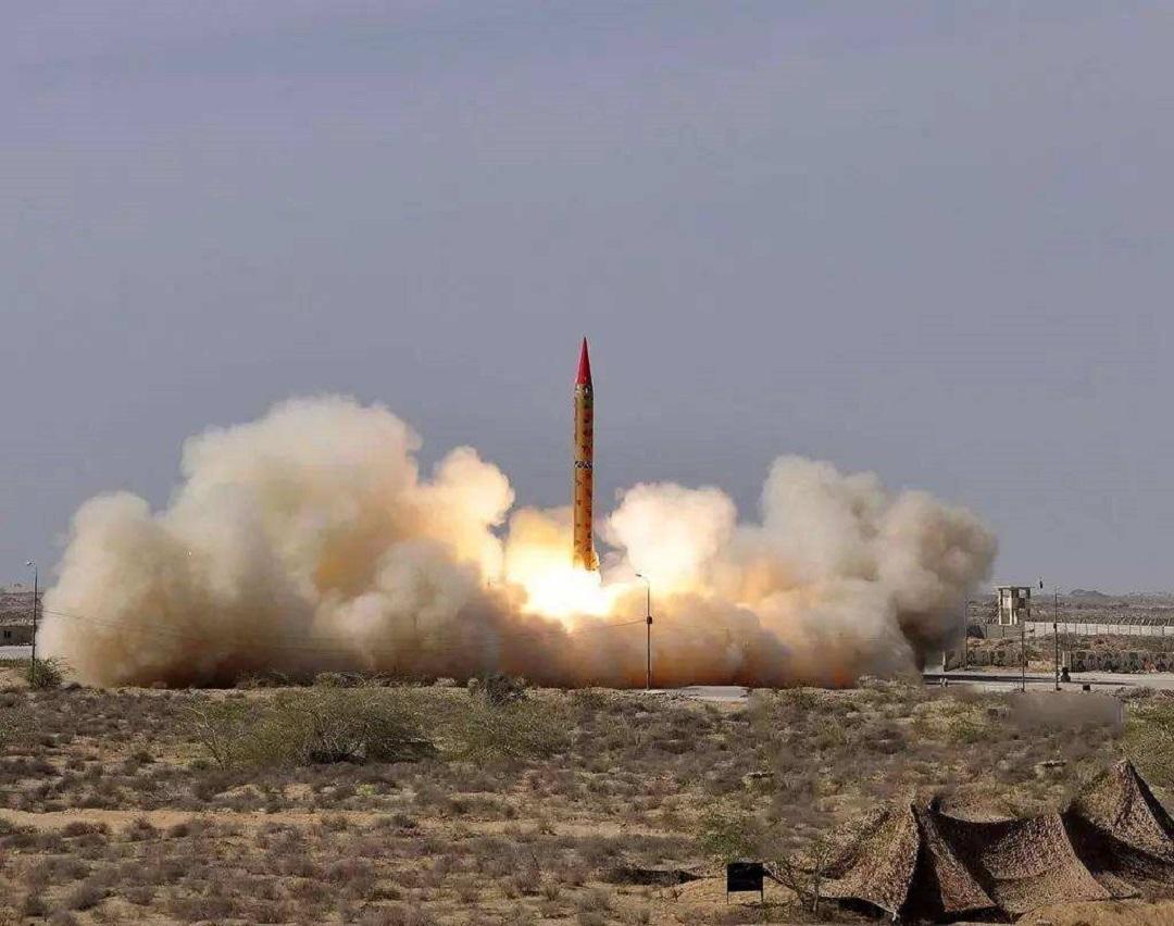 擁有核武器的9個國傢中,最窮的巴基斯坦是怎麼獲得核武器的?-圖4