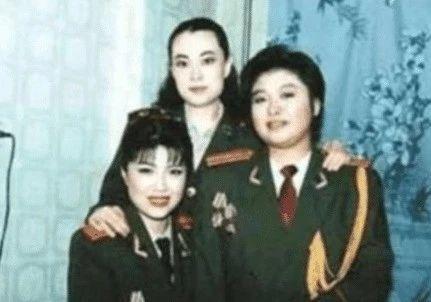 """韩红当年是""""大学校花""""?本以为是开玩笑, 看到照片被惊艳到了!"""