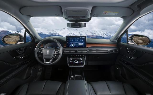 """又一豪華SUV""""黑馬"""",懸浮式車頂+12.8英寸大屏,24.68萬起-圖3"""