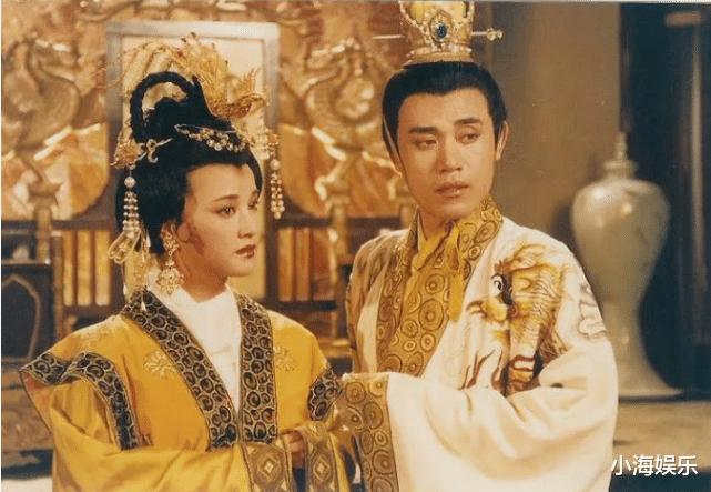 繼《隋唐》後,65歲劉曉慶再演少女,旗袍裝老態盡顯被網友吐槽-圖9