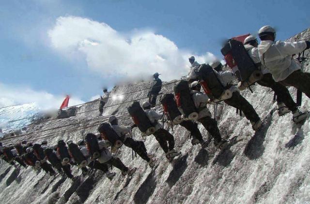中印邊境軍情報告!印軍陷困境,缺水缺糧還雪崩,士兵被活活凍死-圖3