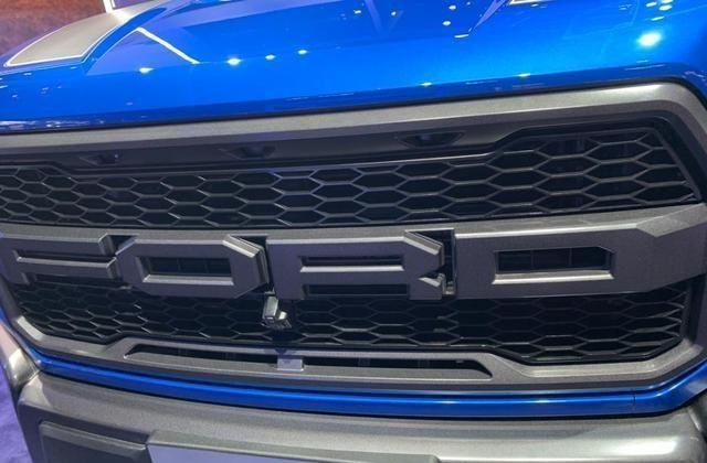 福特F-150同時具備商用、越野兩種能力,車內空間表現不錯-圖3