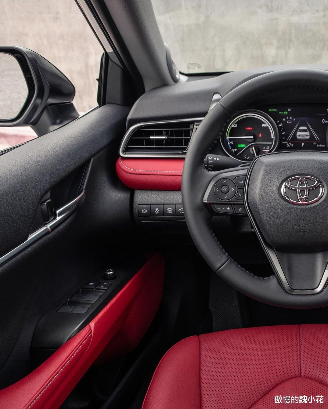 """豐田""""凱美瑞XSE""""版全球首發,紅黑內飾,搭載3.5L V6引擎!-圖3"""