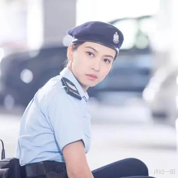 港姐清流朱千雪:看淡娛樂圈浮華,跳槽當律師,嫁給青梅竹馬-圖5