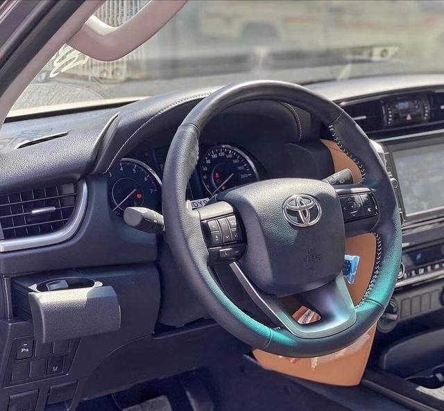 """豐田""""王牌""""SUV來襲!2.8T+四驅,預售28萬,越野比帕傑羅還霸氣-圖4"""