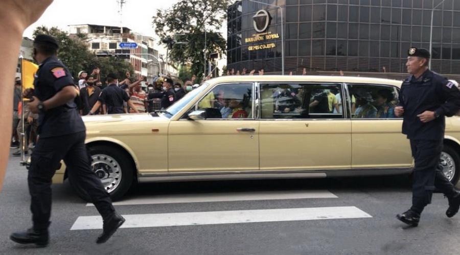 國王專車通過抗議人群……全球媒體關註泰國大遊行!-圖3