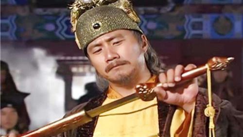 朱元璋对功臣说:你儿子剑法不错,他直接砍下儿子头颅,送给皇帝