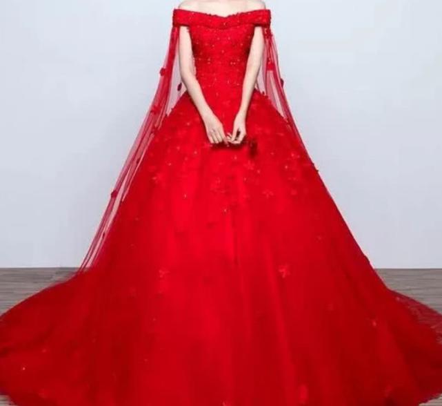 心理測試:你認為哪款紅色嫁衣最醜?測今生最愛你的人是誰-圖2
