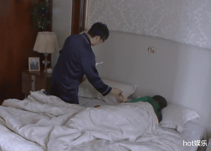 羨慕李湘的生活,睡到自然醒,吃喝送到口,無憂無慮沒煩惱-圖4