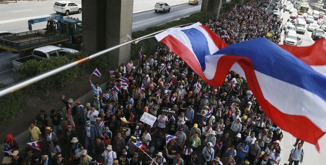 又一東南亞國傢爆發瞭,6年來最大規模反政府示威,要求王室改革-圖2