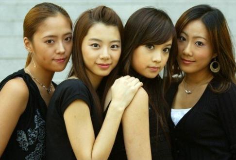 35歲韓國女星黃正音申請離婚,和老公結婚4年育有一子-圖3