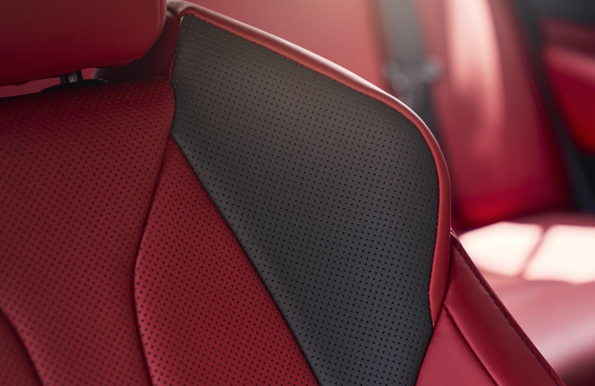 豐田又一豪車來襲,車長近5米,2.5L自吸發動機配四驅,油耗6.3L-圖5