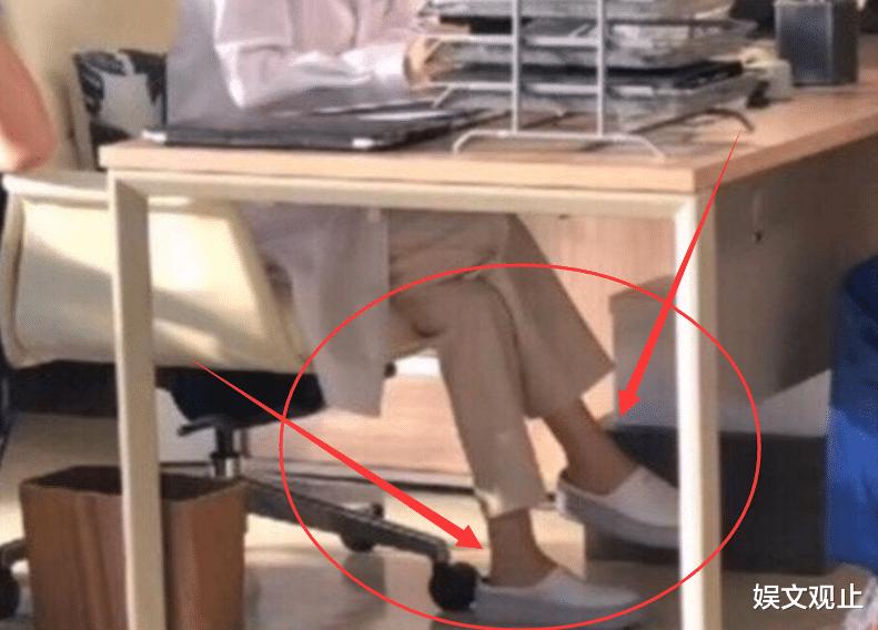 趙麗穎《誰是兇手》路透來襲,醫生定位初嘗試,卻被腳踝搶盡風頭-圖7