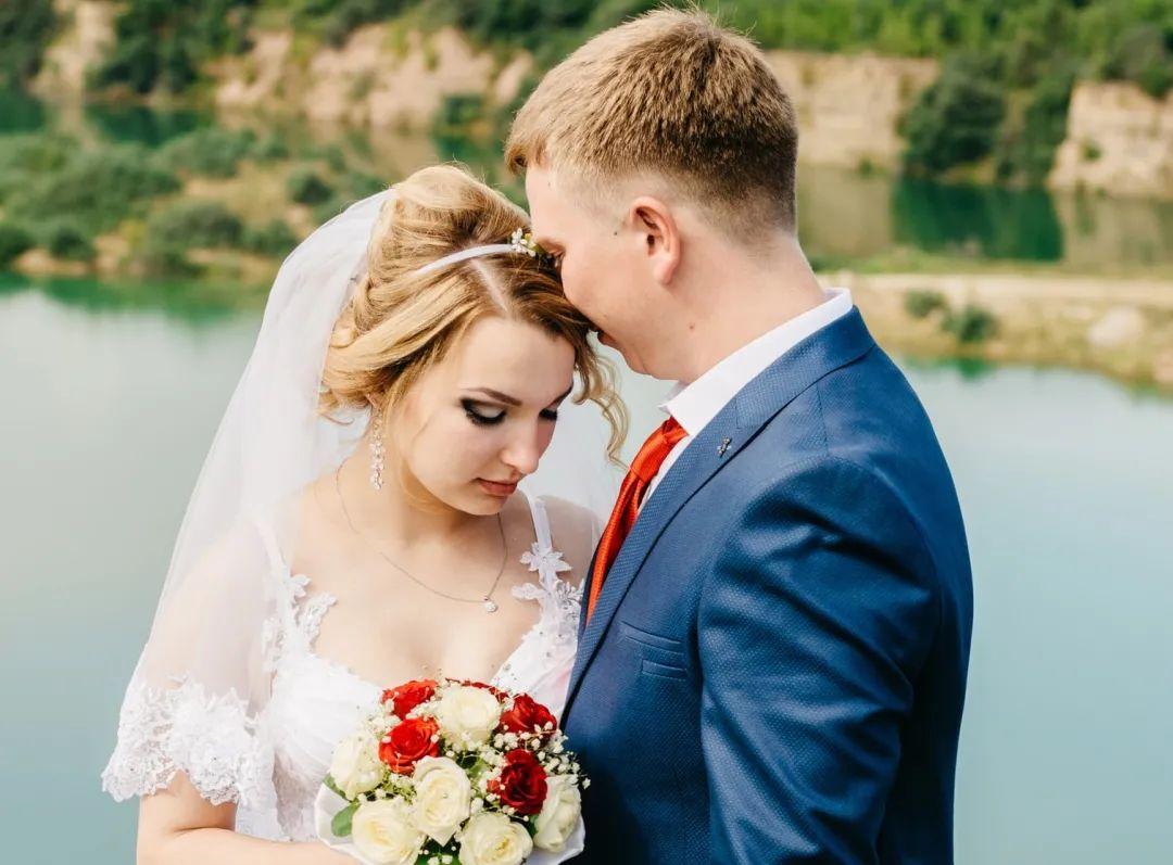 新婚當天 改口錢從一萬變成一百 新娘:不嫁瞭!-圖7